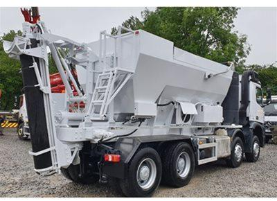 1 off Used HYDROMIX / HOLCOMBE model HM12H-E Volumetric Mobile Concrete Mixer (2016)