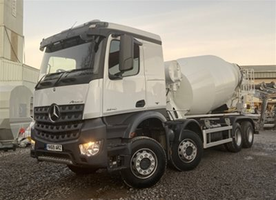1 off Ex-hire MERCEDES Sleeper Cab / McPHEE 8/9m3 Concrete Mixer (2020)